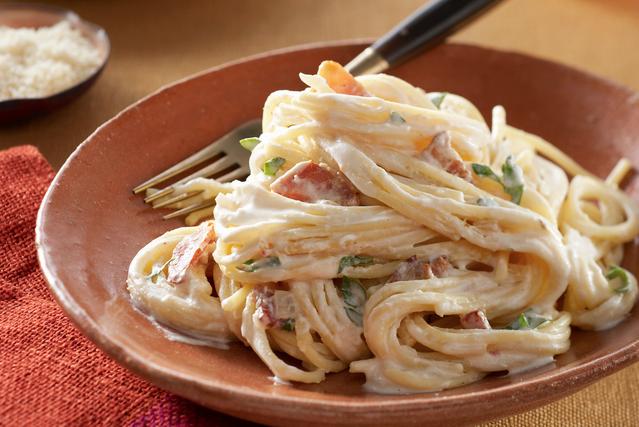 How to make spaghetti carbonara sauce